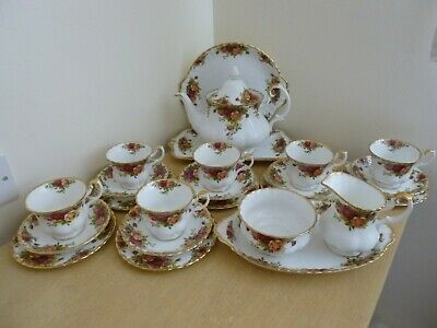 Royal Albert Old Country Roses Tea Set - vintage - 24 pieces