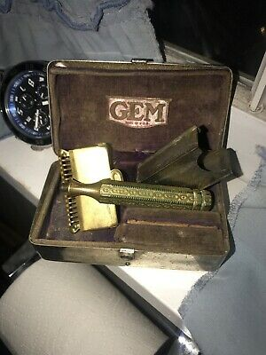 A Vintage Gem Razor With Metal Razor Holder And Box