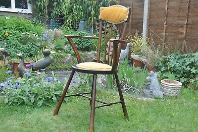 ANTIQUE spindle chair