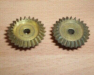MECCANO VINTAGE PAIR OF BEVEL GEARS  PART No 30..barn find