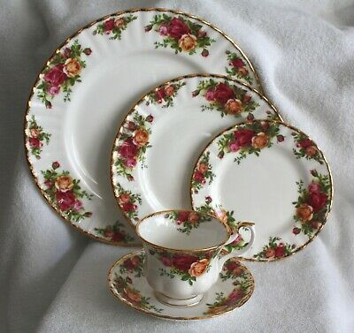 Royal Albert Fine Bone China Old Country Roses 5 pc. Place Setting 1962 (12)