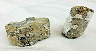 Lot of two pre-colombian artifacts (stone or pottery)
