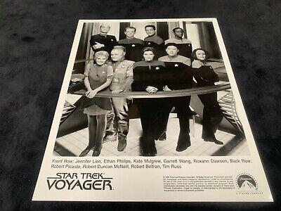 """/""""STAR TREK VOYAGER/"""" CAST FROM THE TV SHOW 8X10 PUBLICITY PHOTO AB-687"""