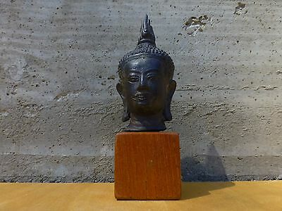 Exquisite Antique south asian bronze Buddha head on a wood stand [Y8-W7-A9]