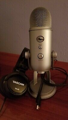 Blue Microphones Yeti Professional USB Condenser Microphone - Silver