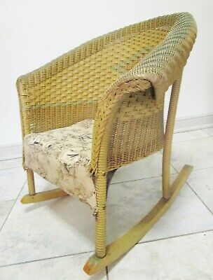 "ANTIQUE Vtg Lloyd Loom CHILDS WICKER ROCKING CHAIR 21"" triangle design"