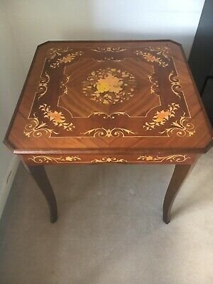Stunning Antique Sorrento Italian Marquetry Inlaid Games Table