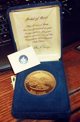 Republican Presidential Task Force Medal of Merit In Case & Lapel Pin R. Reagan