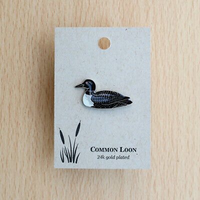 Natures Charms Common Loon (Great Northern Diver) Pin Badge on card (Not RSPB)