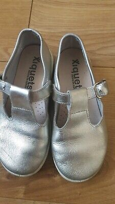 Spanish Xiquets  Girls Silver T-bar Shoes Size 28 EU 28 Ideal Summer Holiday