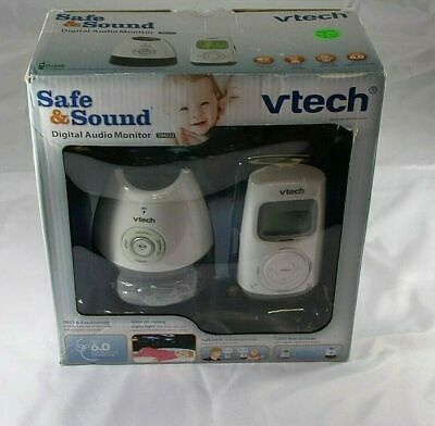 VTech DM222 Digital Audio Baby Monitor with Glow-on-ceiling Nightlight & Lullaby