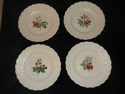 4 Copeland Spode Embossed Daisy Grape Pattern Dinner Luncheon Plates 9.25""