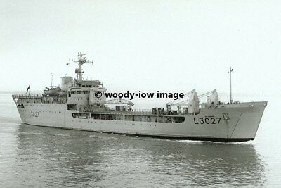 Photograph Round Table Landing Craft Ship RFA SIR GERAINT L3027-6x4 10x15