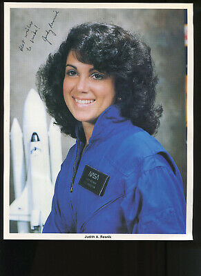 Space Shuttle JUDITH RESNIK ASTRONAUT SIGNED OFFICIAL NASA 8 x 10 IN. PHOTO JUDY