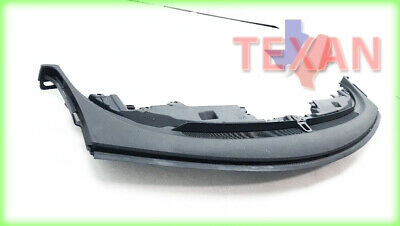 One New URO Valance Panel Air Duct 9190835 for Volvo