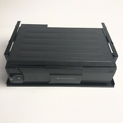 Mercedes-Benz MC3196NA - 6 Disc CD Changer with Cartridge Included