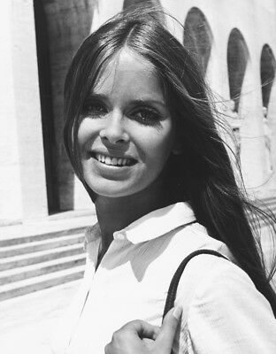 Barbara Bach Poses On Hood Of Lotus The Spy Who Loved Me 8x10 Photo 20x25cm