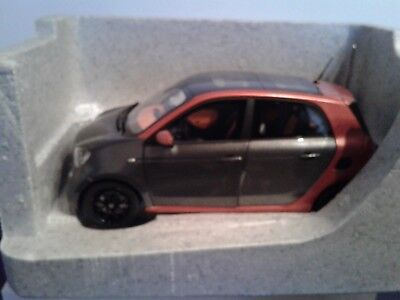 Smart forfour 453 1:18 Modellauto prime black hazel brown  B66960299