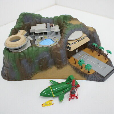 1994 Matchbox Thunderbirds Tracy Island Electronic Playset Rocket Sounds #710