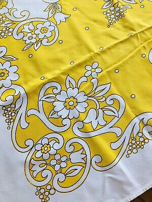 Vintage Printed Tablecloth - Yellow Paisley Swirls