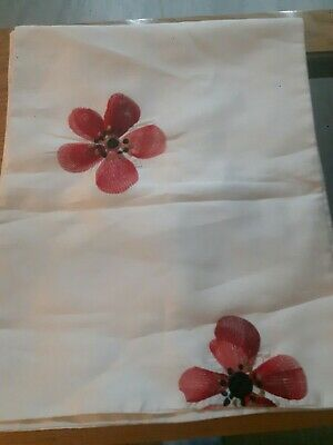 Poppies Table Runner nwot embroidered