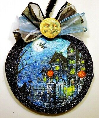 Hand Made   HAUNTED HOUSE JOLS WITCH   glittered WOOD SLICE HALLOWEEN Ornament