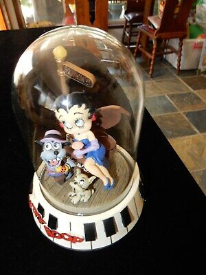 Betty Boop Limited Edition Burbon St Figurine In Glass Dome