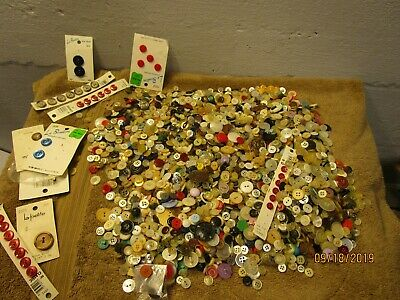 Vintage 2.5+ Pounds Mixed Lot Old Sewing Buttons Metal Bakelite Carded Mix