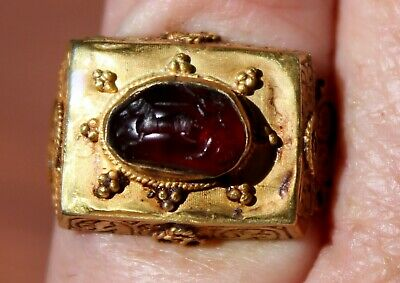 Very Old 22K Solid Yellow Gold Ring With Carved Garnet Depicting A Roman Chariot
