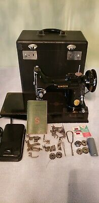 Singer 221-1 Featherweight Sewing Machine & Accessories date November 22 1946