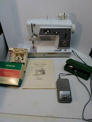 Singer Touch and Sew 600E Sewing Machine W/ MANUAL, Extras Works Great