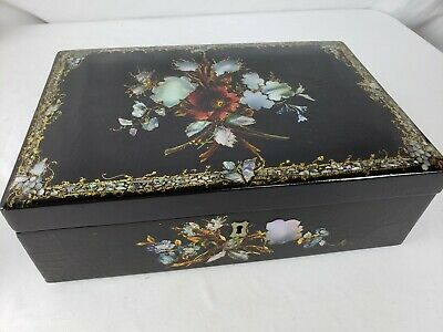 Superb antique chinese wood lacquered box, mother of pearl 19th C