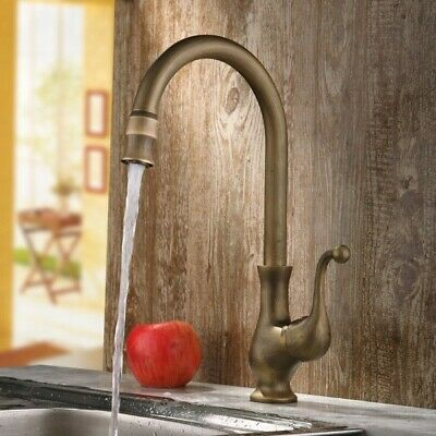 Traditional 1-Handle Single Hole Goosenecked Kitchen Faucet in Antique Brass