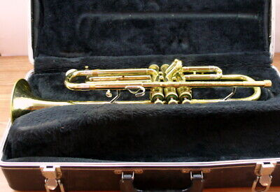 Olds Ambassador trumpet with mouthpiece. Light service required.