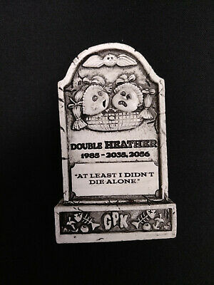 2019 Topps Garbage Pail Kids Oh, The Horror-ible Double Heather Tombstone Figure