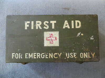 Ww2 Us Army First Aid Kit Some Contents