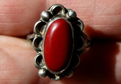 Beautiful Old Pawn Handmade Navajo Sterling Silver & Red Coral Ring