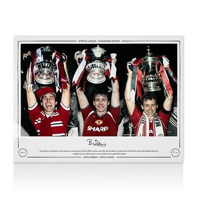 Bryan Robson Signed Manchester United Photo - Captain Marvel Autograph