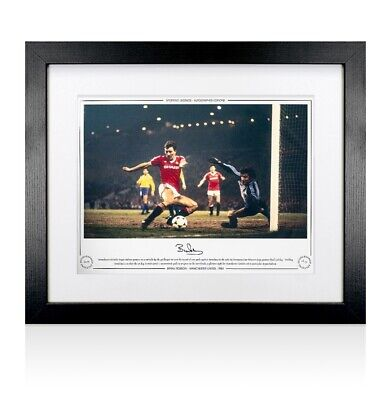 Framed Bryan Robson Manchester United Photo - 1984 Autograph