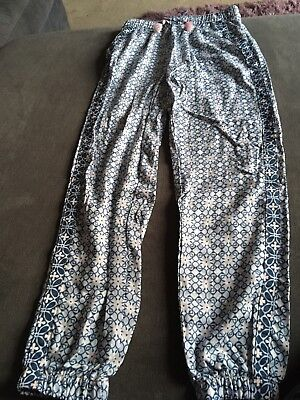 H & M Girls Blue Pattern Trousers Size 8-9 Years Good Condition