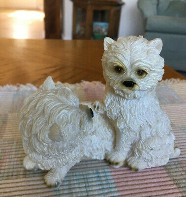 Figurine WEST HIGHLAND WHITE TERRIER PAIR OF DOGS Resin