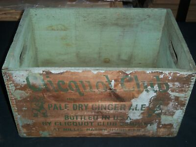 Clicquot Club Pale Dry Ginger Ale Two Dozen Pint Bottles Wooden Crate - Mass