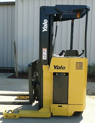 Yale Model NR040AE (2005) 4000 lbs Capacity Great Reach Electric Forklift!!!!!
