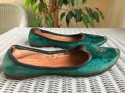 Pretty Pair of Childs Vintage Green Velvet & Leather Moccasins