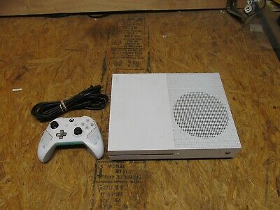 Microsoft Xbox One S (1681) 500 GB Slim White Console        (Lot 3723)