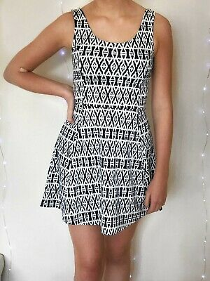 H&M blue and white patterned dress, size 8, brand new with tags