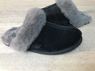 Ladies Ugg Scuffette Slippers Size 6