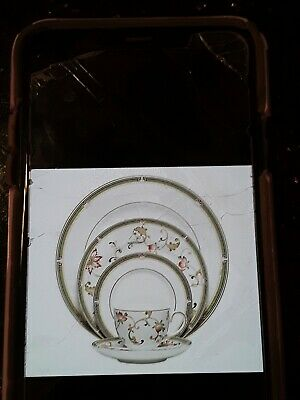 12 Wedgewood 5 piece Oberon Place Settings