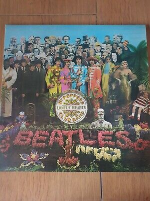 """BEATLES """" SGT PEPPERS LONELY HEARTS CLUB BAND """" VINYL ALBUM  pre owned"""