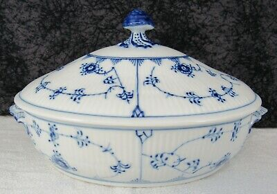 Vintage Royal Copenhagen Blue Fluted Plain #283 Covered Vegetable Bowl